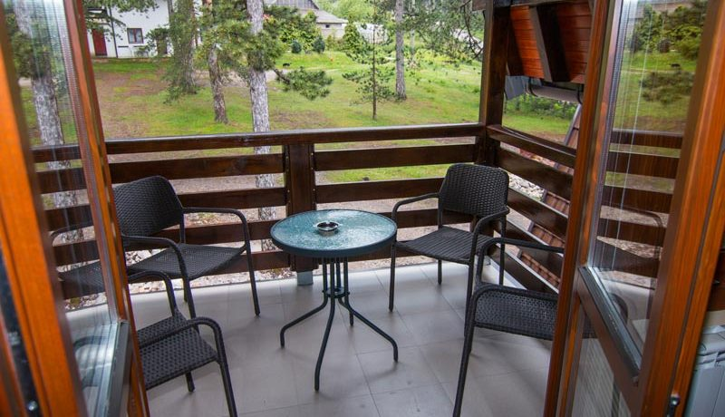 apartmani-konaci-tara-kaludjerske-bare-8