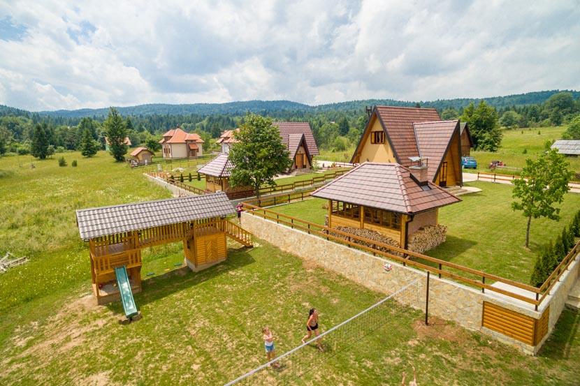planinska-kuca-popovic-oslusa-tara-5