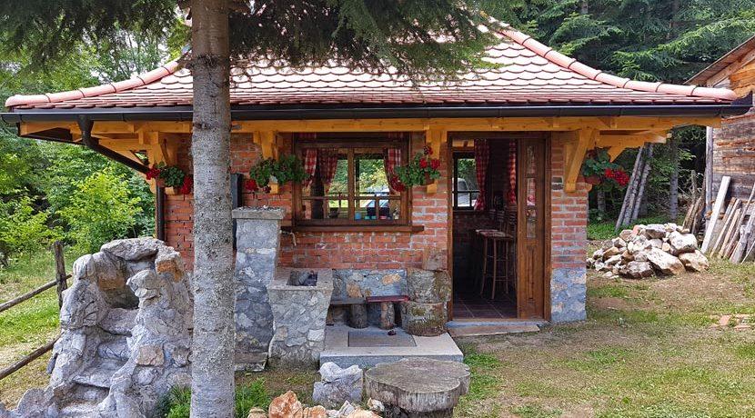 planinska-kuca-radivojevic-tara-oslusa-10