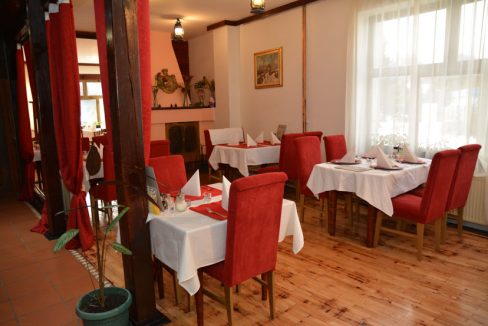 vila-tara-president-restoran-bar (5)