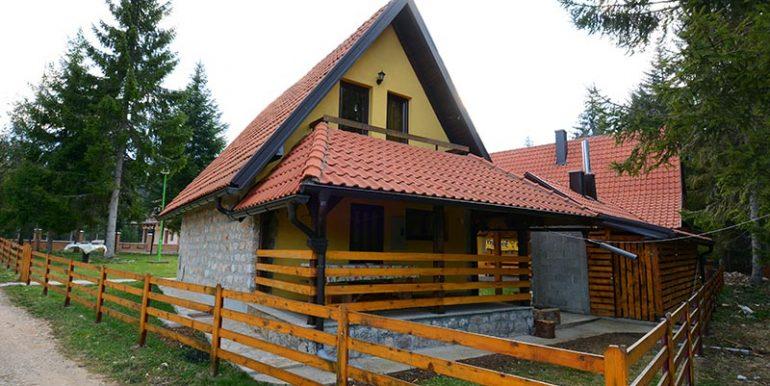 vila-suka-tara-oslusa-s12