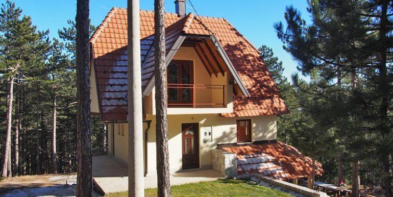 apartman-gvozdenovic-tara-kaludjerske-bare-1