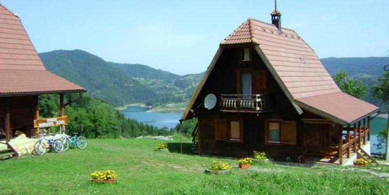 konaci-zaovljanska-jezera-tara-s4