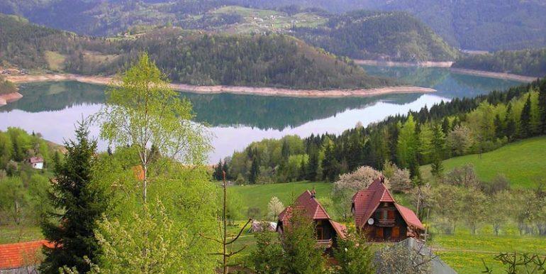 konaci-zaovljanska-jezera-tara-s8