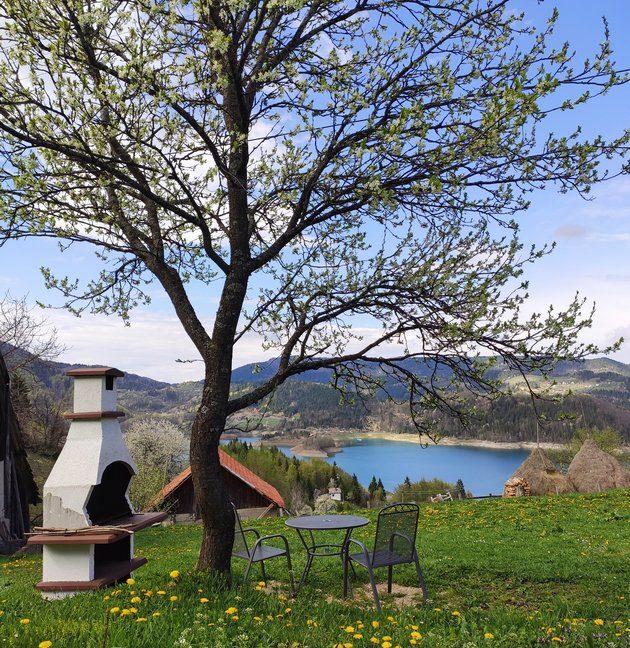 konaci-zaovljanska-jezera-tara-smestaj-13