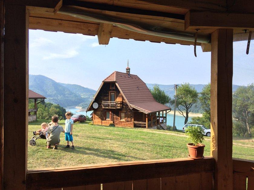 konaci-zaovljanska-jezera-tara-smestaj-8