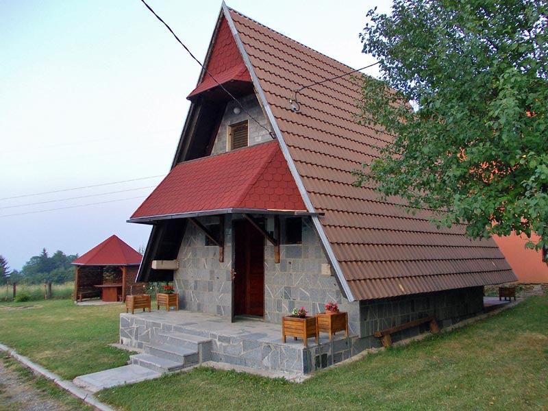 (Srpski jezik) Vikendica Katanić