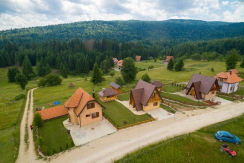 planinska-kuca-popovic-oslusa-tara-6