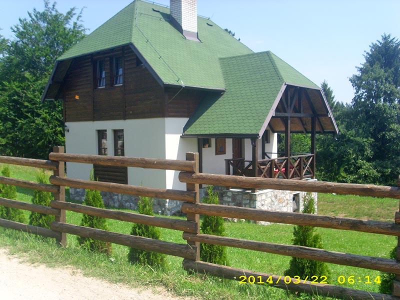 (Srpski jezik) Planinska kuća Stanišić