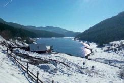 brvnara-na-jezeru-rajski-pogled-zaovine-tara-2