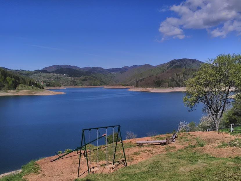 kuca-na-jezeru-lazic-zaovine-tara-smestaj (6)
