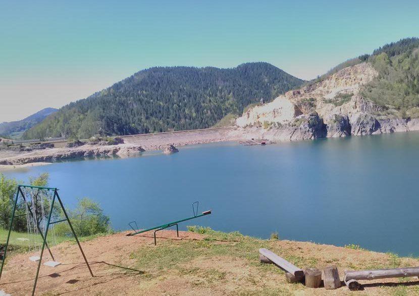 kuca-na-jezeru-lazic-zaovine-tara-smestaj (8)