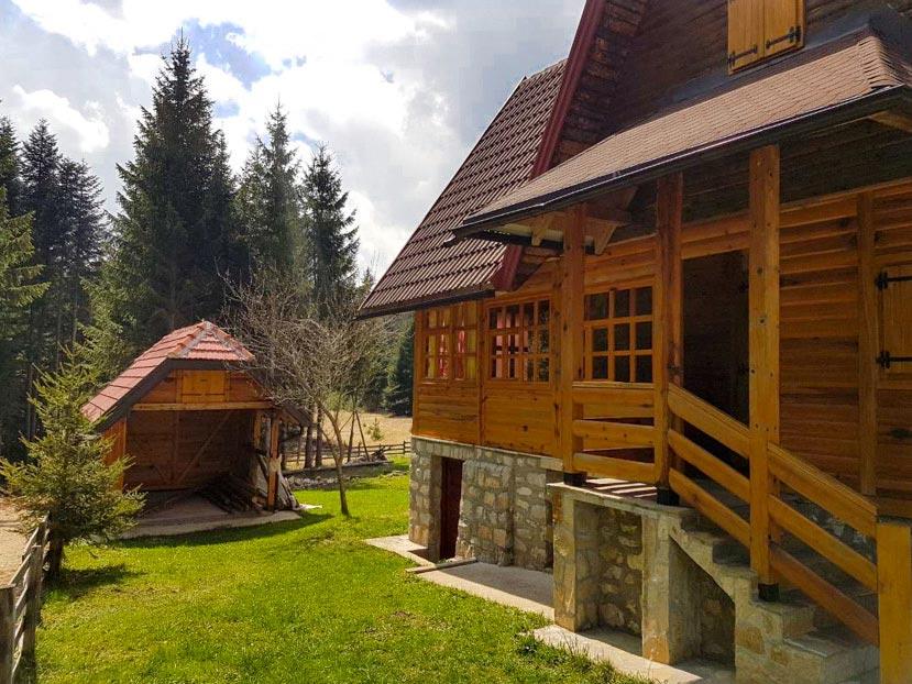 (Srpski jezik) Kuća za odmor BRANE