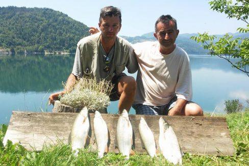 24-ribari-sa-ulovom