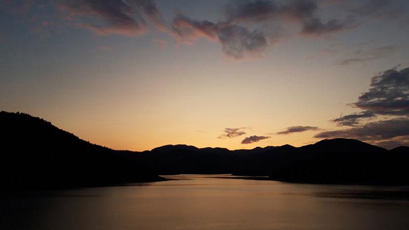 29-jezero-u-sumrak