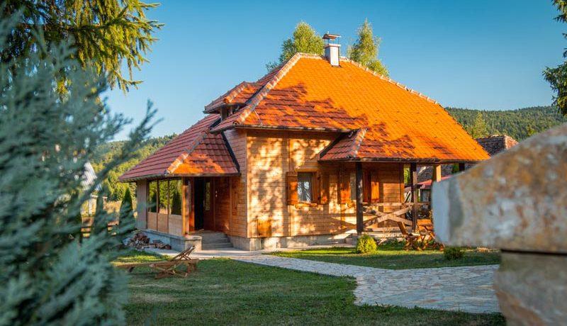 vila-markovic-tara-oslusa-1