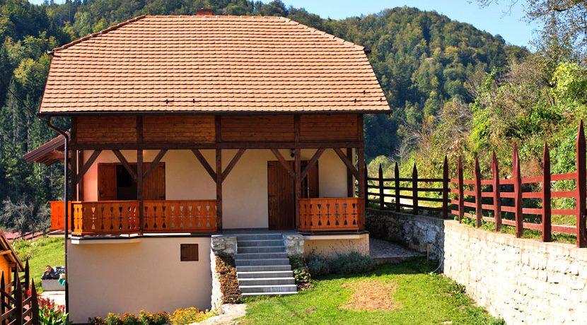 vila-kvadratura-kruga-zaovine-planina-tara-1