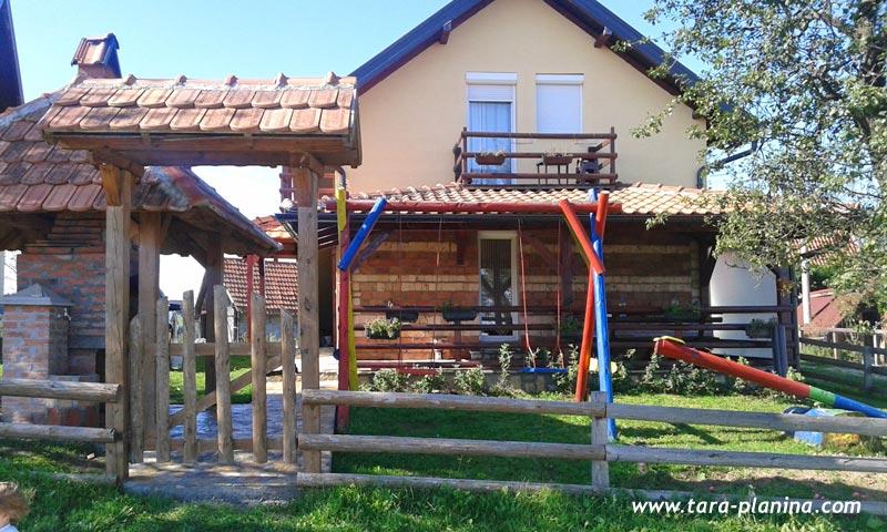 vikendica-stanojevic-tara-s1