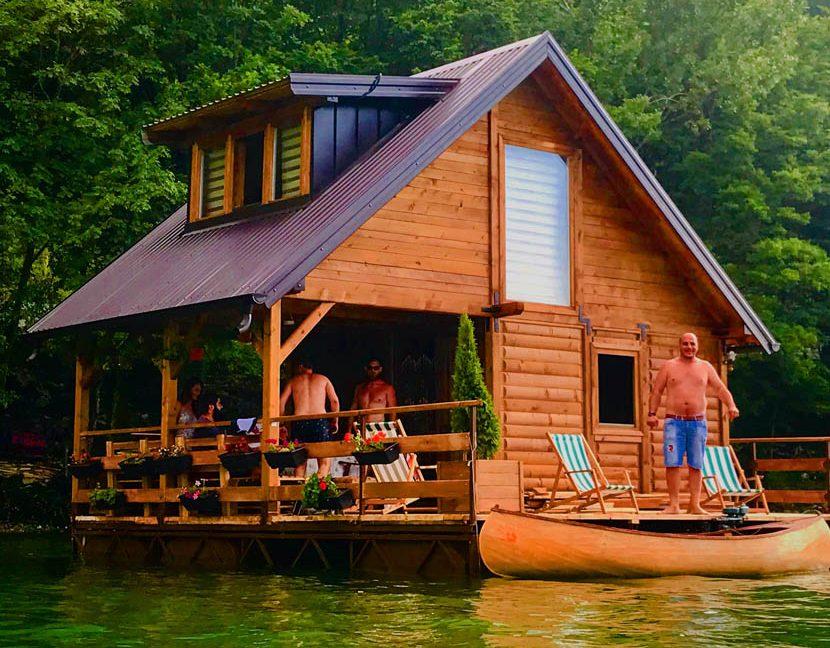 kucica-na-vodi-splav-perucac-jezero-smestaj-odmor-14