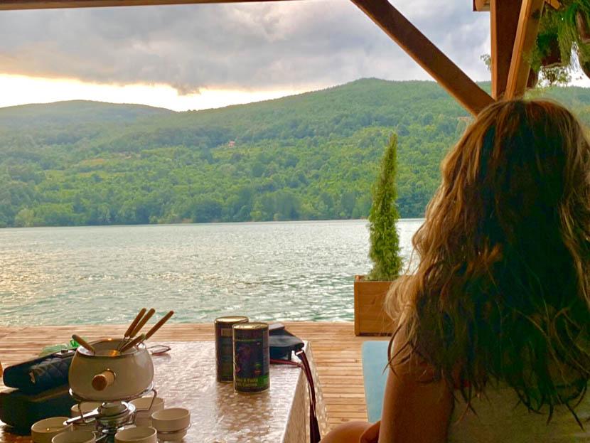 kucica-na-vodi-splav-perucac-jezero-smestaj-odmor-16