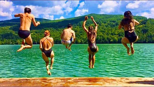 kucica-na-vodi-splav-perucac-jezero-smestaj-odmor-2