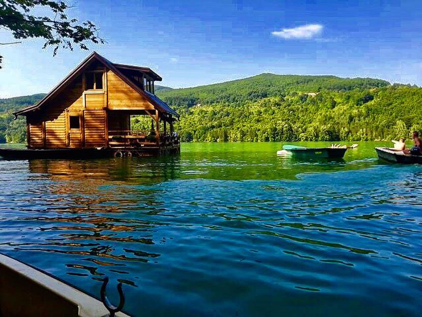 kucica-na-vodi-splav-perucac-jezero-smestaj-odmor-7