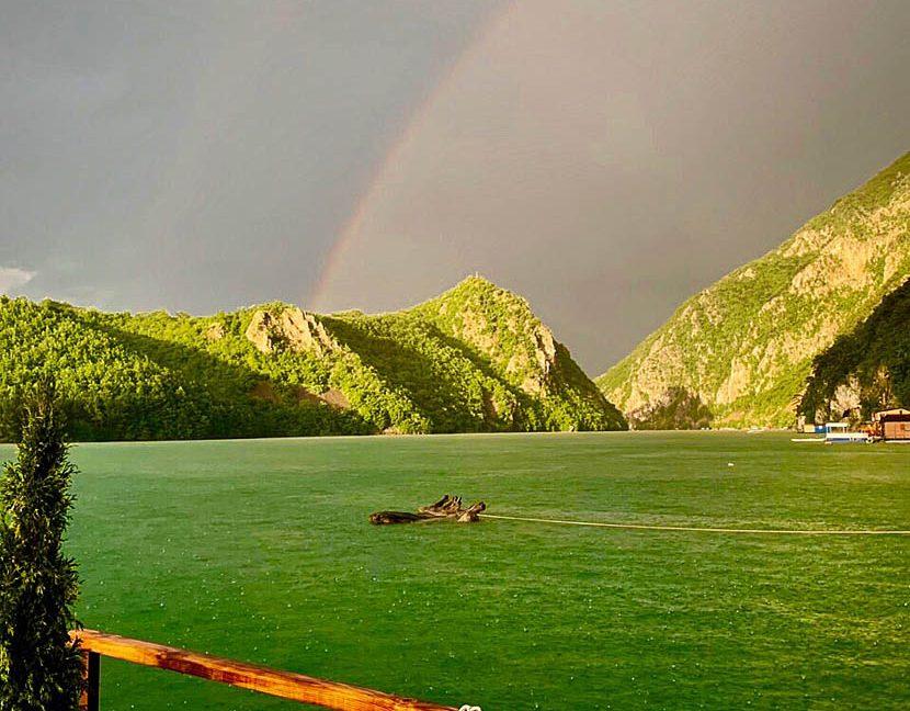 kucica-na-vodi-splav-perucac-jezero-smestaj-odmor-8