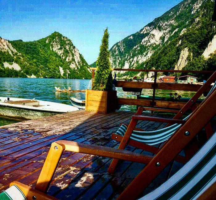 kucica-na-vodi-splav-perucac-jezero-smestaj-odmor-9
