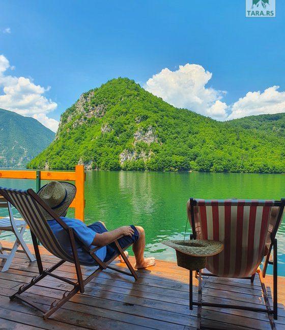 splav-sele-jezero-perucac-smestaj (1)