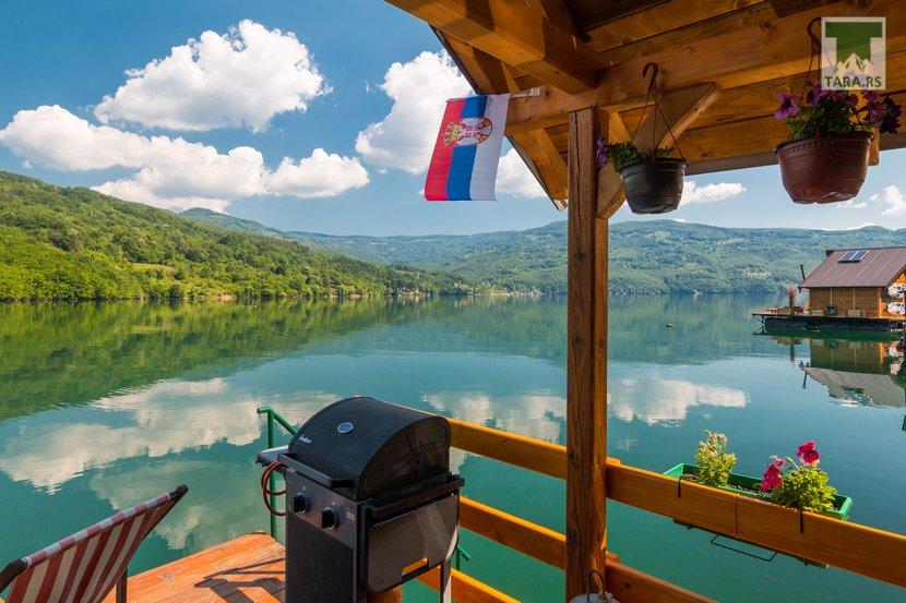 splav-sele-jezero-perucac-smestaj (11)