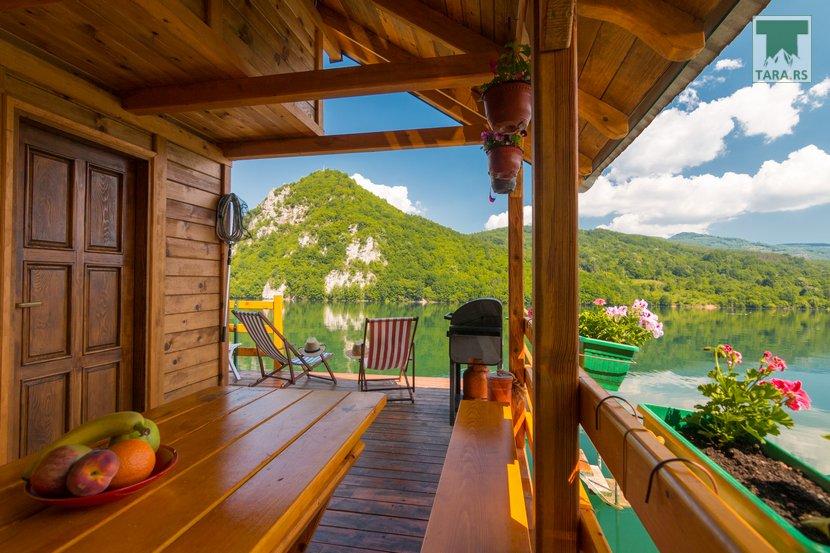 splav-sele-jezero-perucac-smestaj (15)