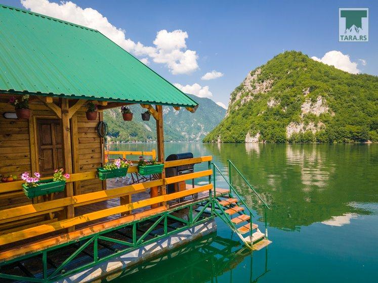 splav-sele-jezero-perucac-smestaj (5)
