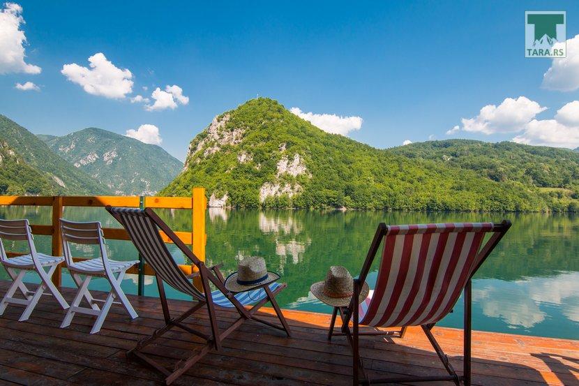splav-sele-jezero-perucac-smestaj (8)