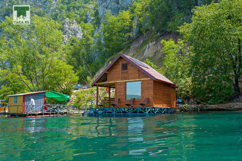 splav-relax-jezero-perucac-smestaj-2