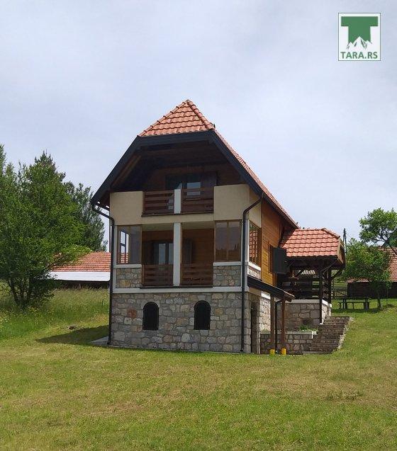 vila-devana-tara-racanska-sljivovica-1