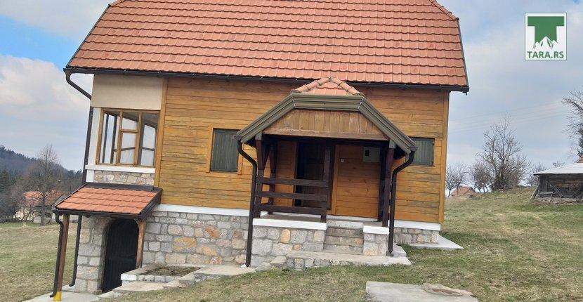 vila-devana-tara-racanska-sljivovica-2